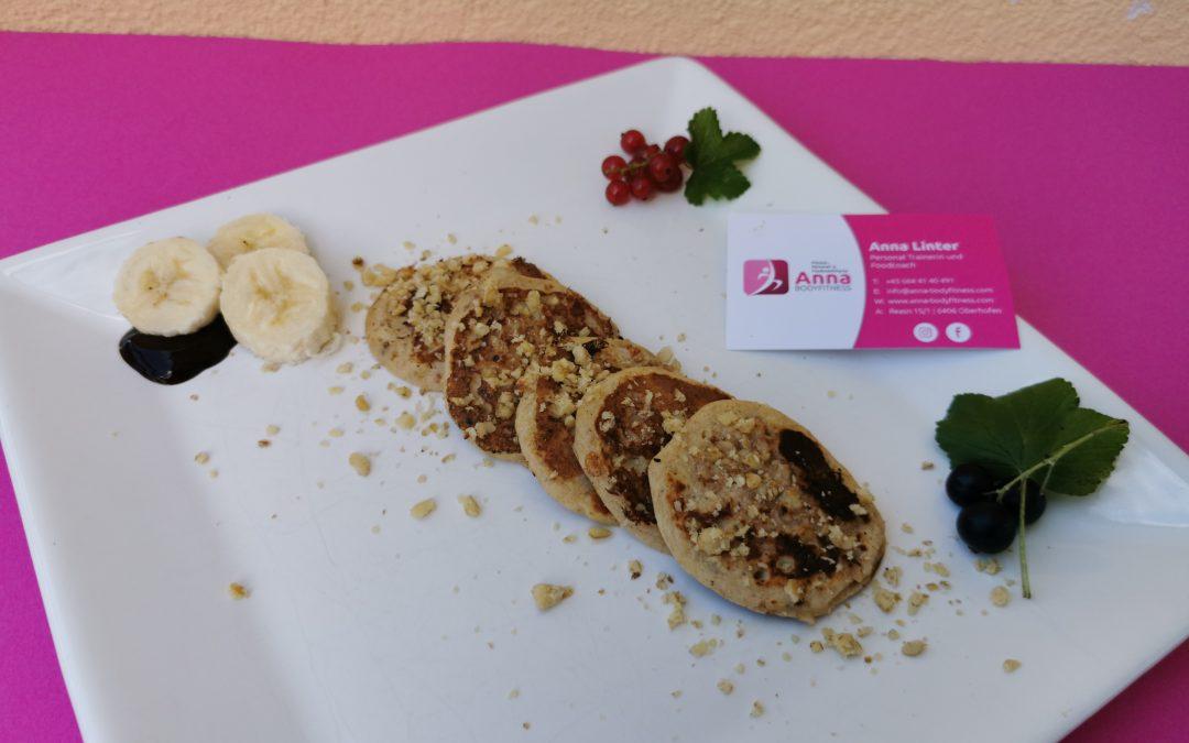 HIGH CARB Dinkel-Bananen-Pancakes