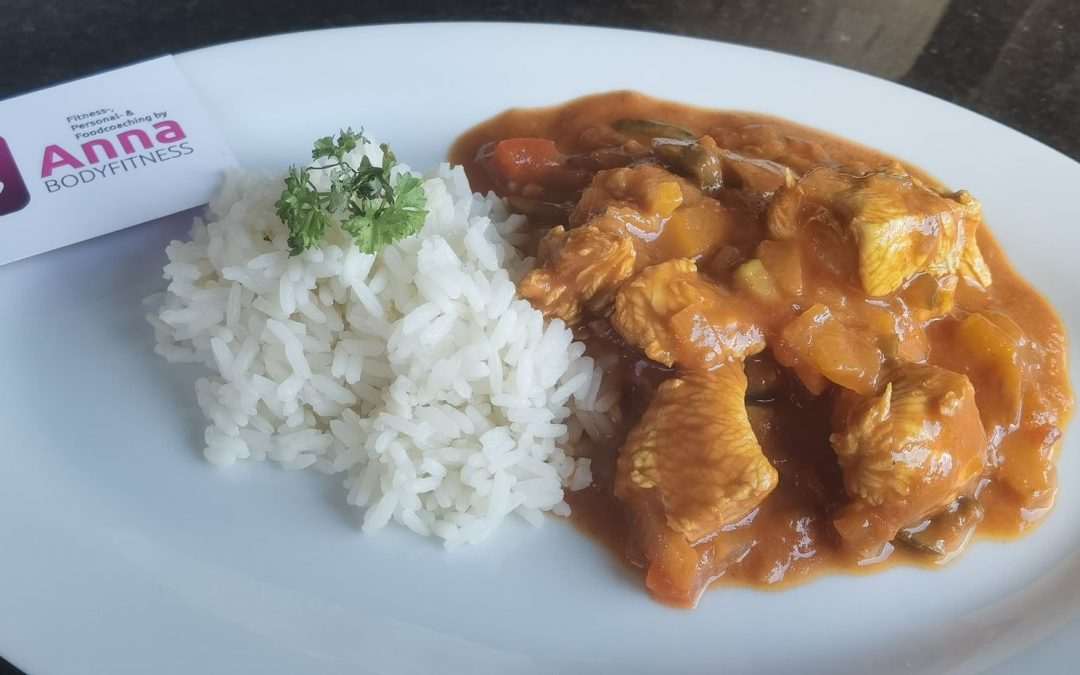 """LOW CARB """"Butter"""" Chicken mit Reis (HIGH CARB)"""